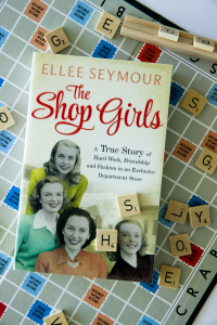 Read Me the shop girls 039